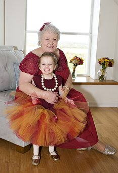 Grandmother-with-granddaughter-2081318__340